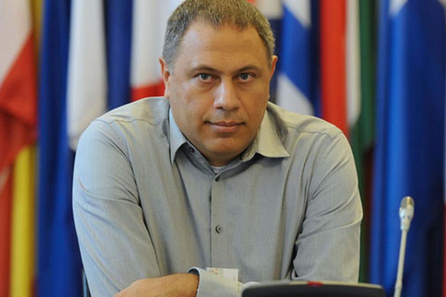 Bilgi Üniversitesi Hukuk Fakültesi Öğretim Üyesi Prof. Dr. Yaman Akdeniz