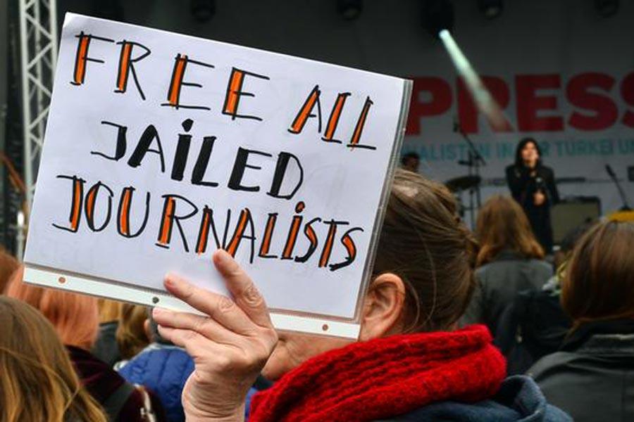 gazetecilere özgürlük