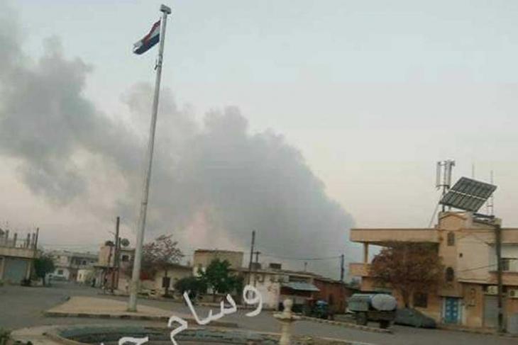 Saldırı sonrası hava üssünden dumanlar yükseliyor.