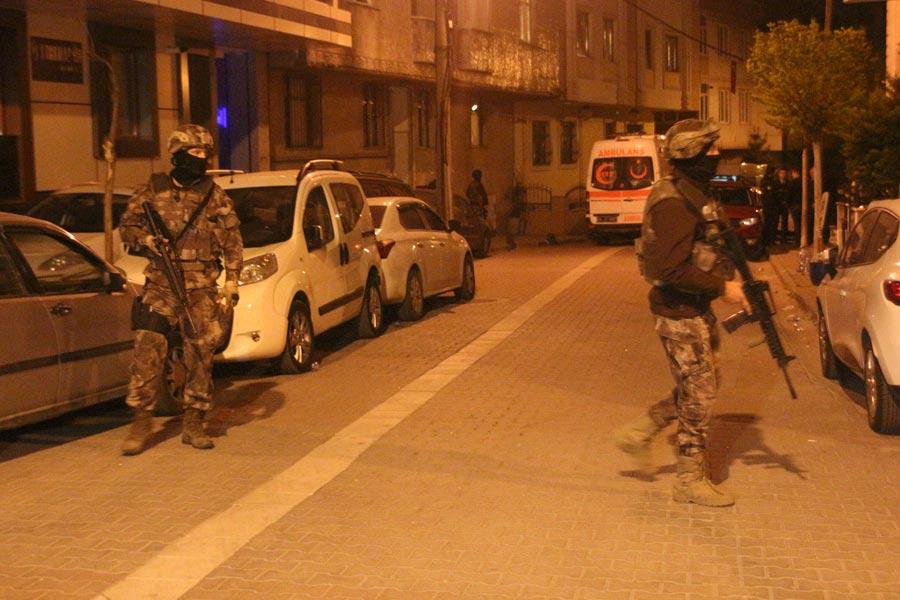 Operasyon, Küçükçekmece'de Yeşilova Mahallesi Tansel Caddesi Terzi Sokak üzerindeki bir binaya düzenlendi.