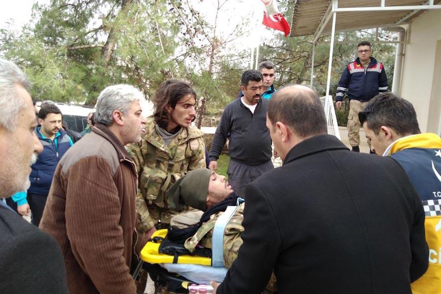 Roketli saldırıda yaralanan cihatçılar tedavi altına alındı.