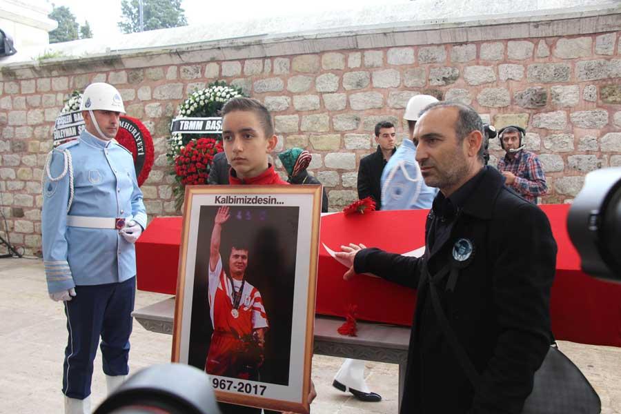 Naim Süleymanoğlu cenazesi