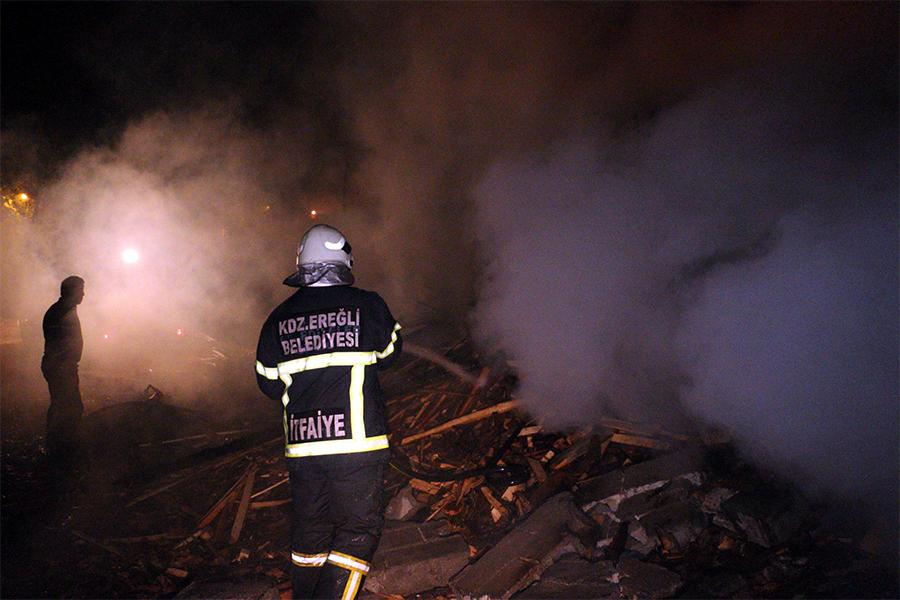 Ereğli kereste fabrikasında yangın çıktı