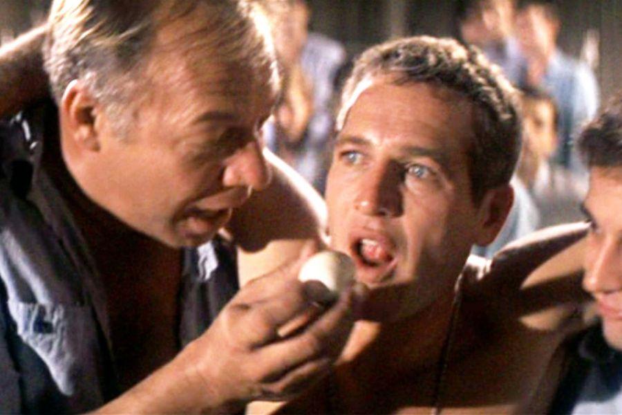 Dragline, Luke'a 50 yumurta yediriyor: 'Neden 35 ya da 39 demedin ki...'