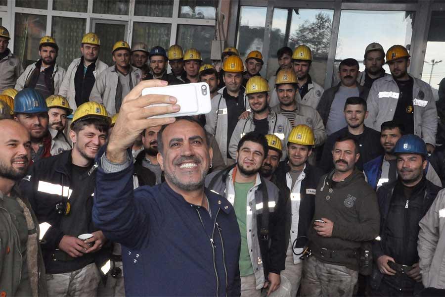 Haluk Levent madencileri ziyaret etti