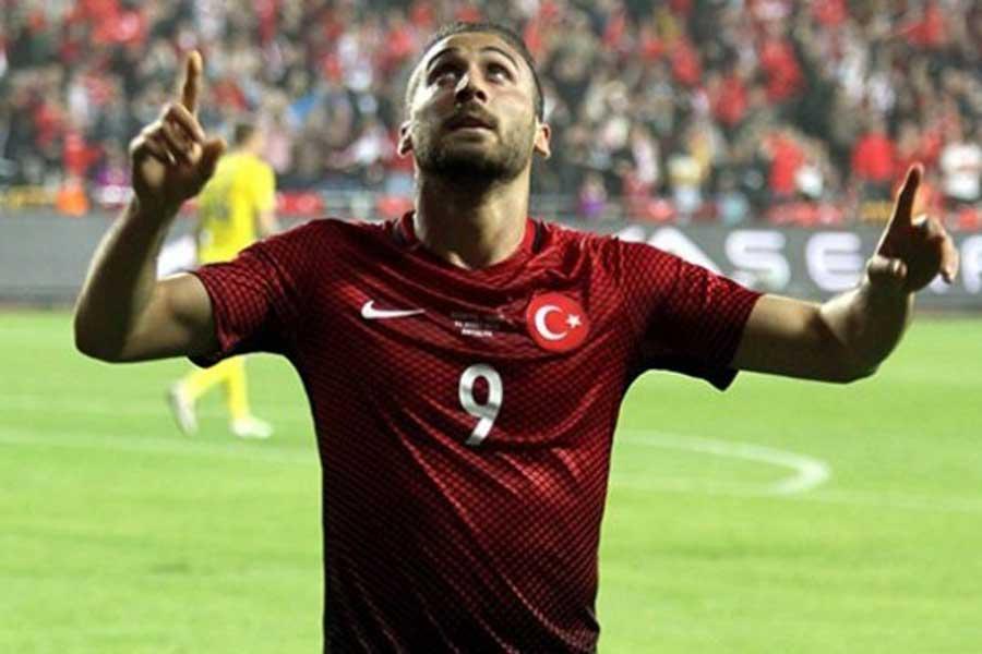 Cenk Tosun gollerine Milli Takım formasıyla da devam ediyor