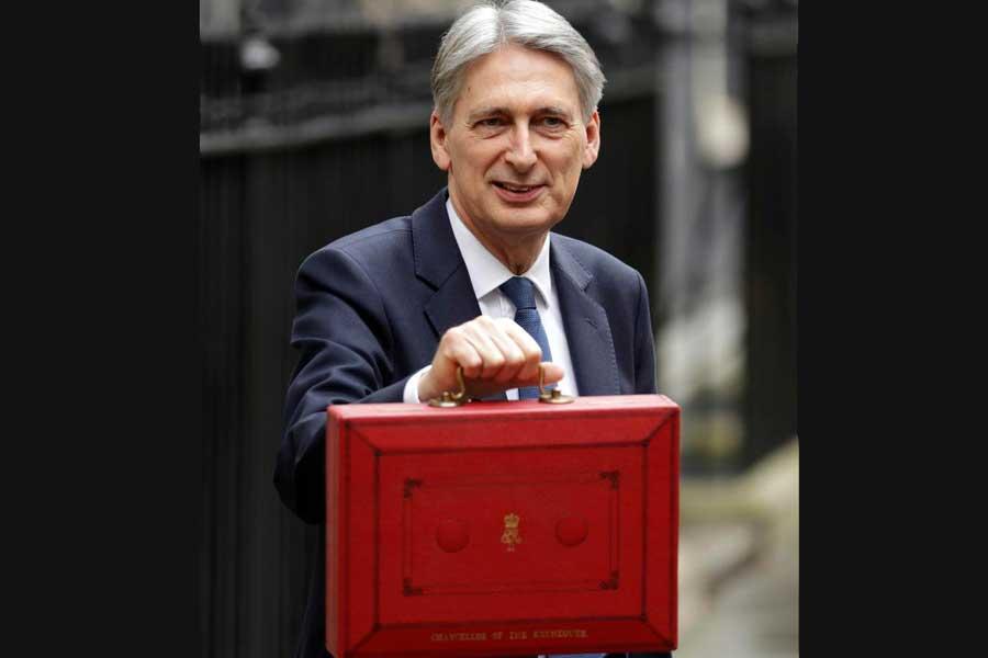 İngiltere'de bütçe tartışmaları