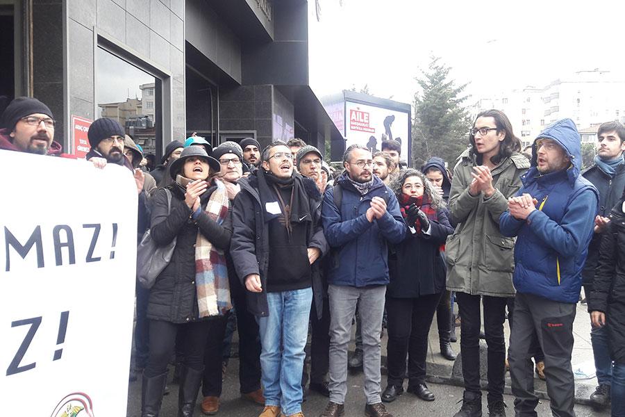 Marmara Üniversitesi Önünde İki Grup Birbirine Girdi