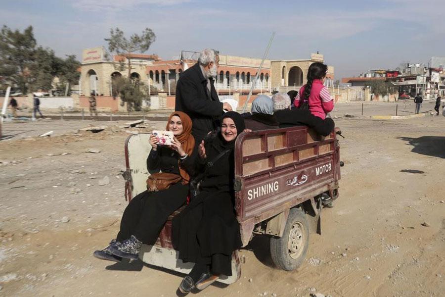 17 Bin Göçmen Musul'daki Hamdaniye İlçesi İle Nahiyelerine Döndü