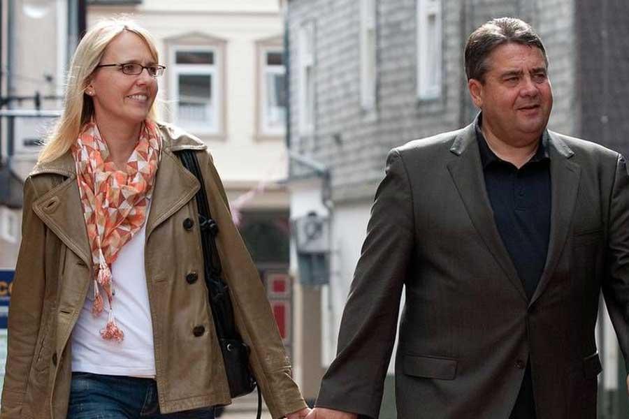 Almanya Dışişleri Bakanı Sigmar Gabriel ve eşi