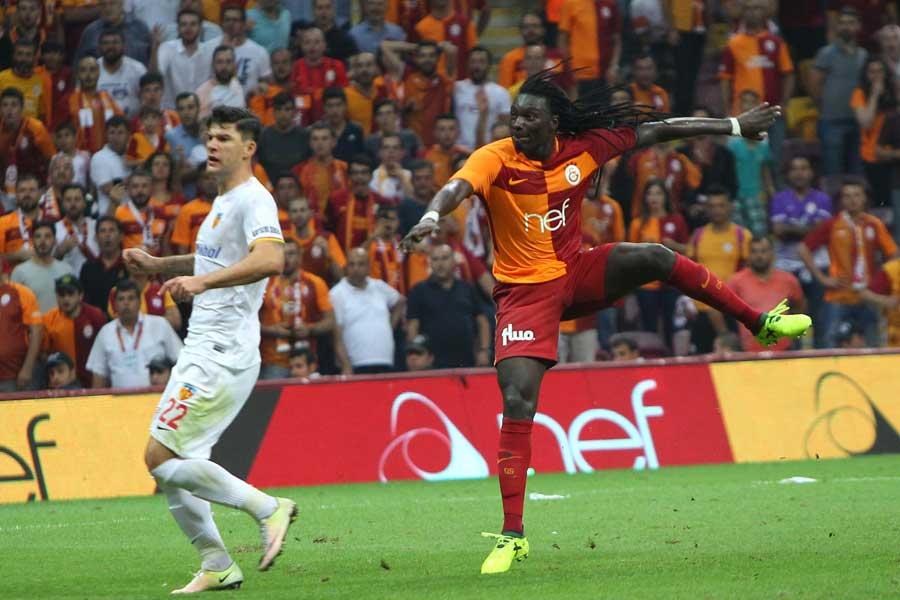 Gomis, 2 gol bir asistle yıldızlaştı