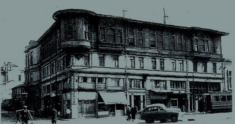 Nice hür  100 yılların olsun  Darülbedayi