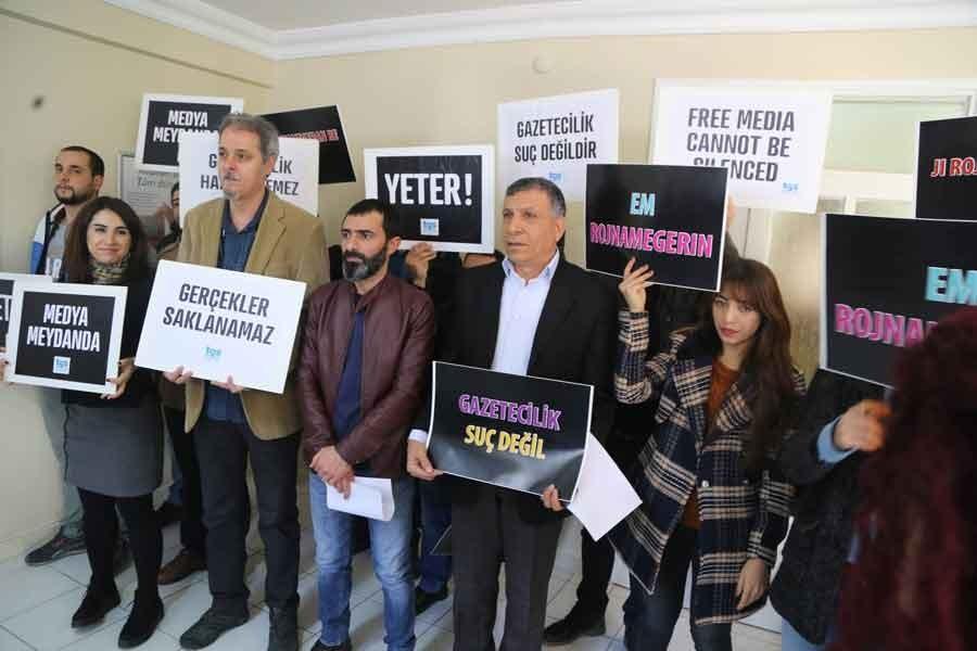 2017'de 187 gazeteci gözaltına alındı, 58'i tutuklandı