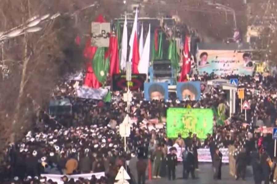 İran'da rejim destekçisi eylemlerin ikinci günü