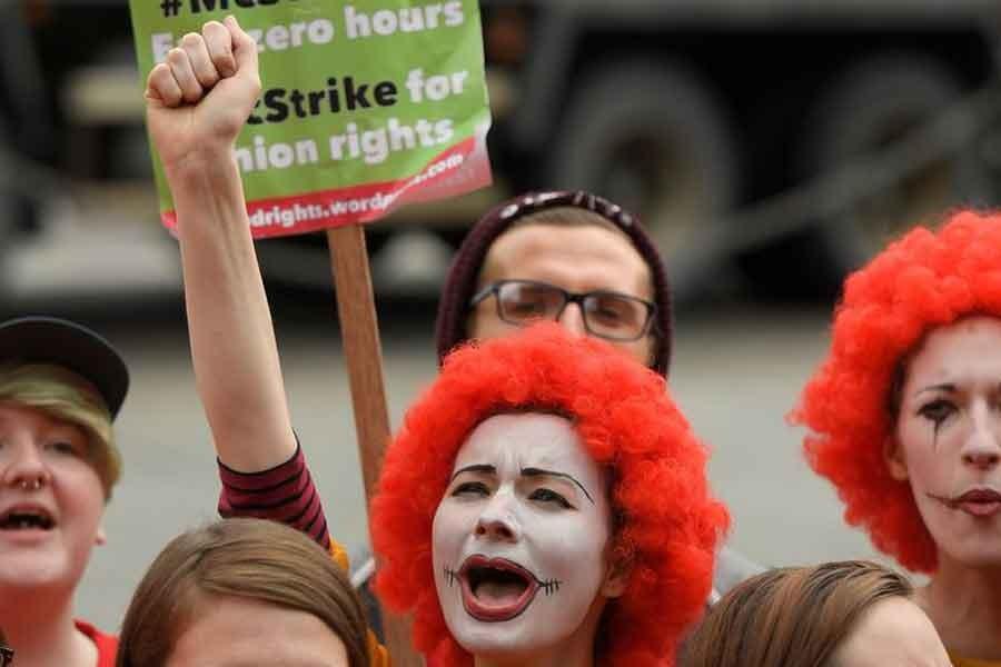 İngiltere'de McDonald's işçileri tarihi bir zafer kazandı