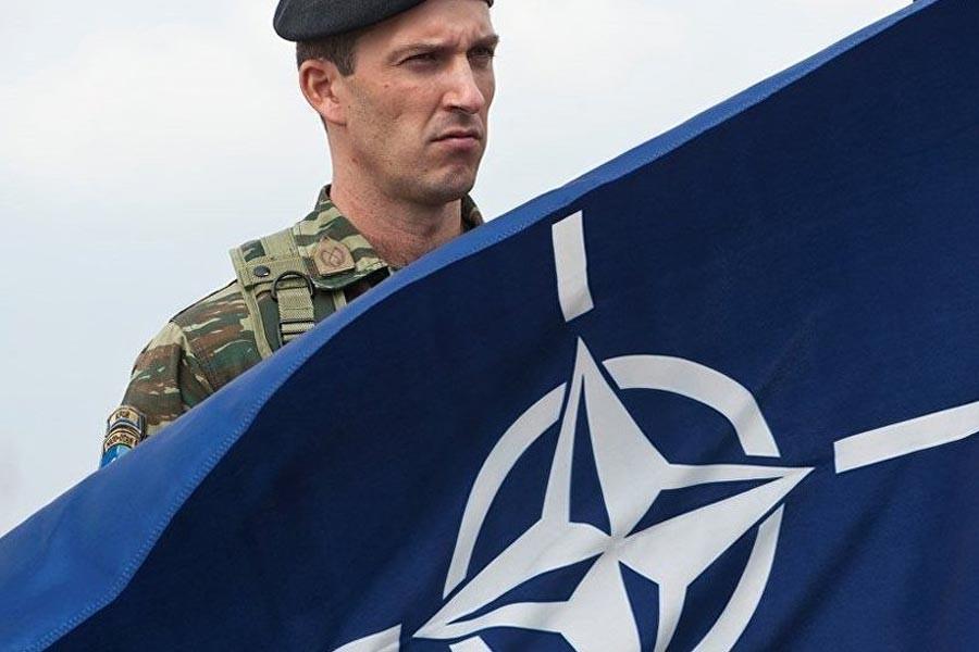 'Yunanistan'da askerler NATO üssünü korumayı reddetti'