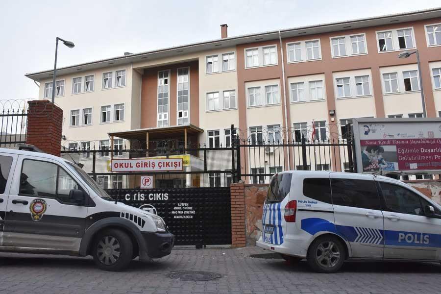 Bahçelievler'de liseli kavgası: 1 öğrenci bıçaklandı