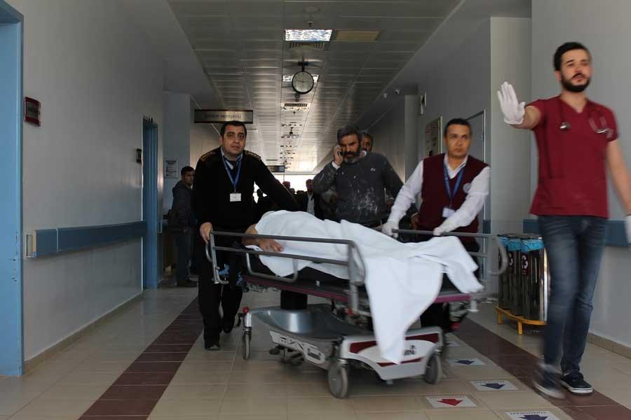 İnşaat iskelesi 8'inci kattan düştü: 1 işçi öldü, 1 yaralı