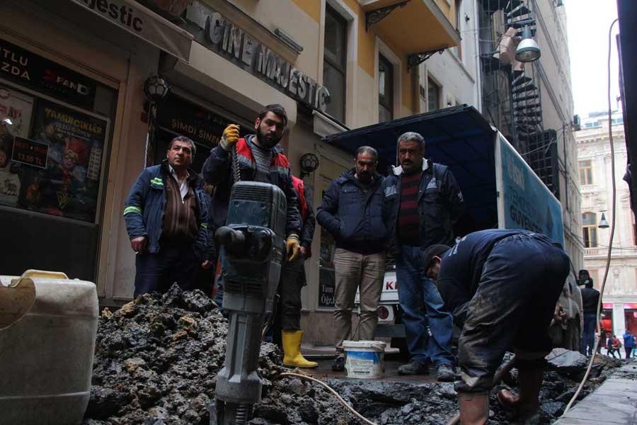 Taksim'deki Majestik sinemasını su bastı