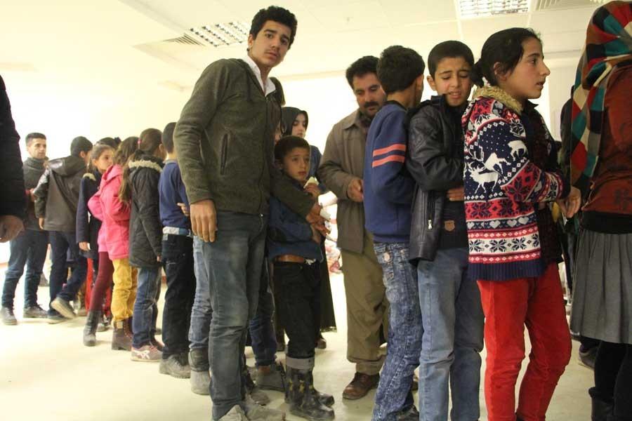 Şemdinli'de 176 öğrenci, yemekten zehirlendi