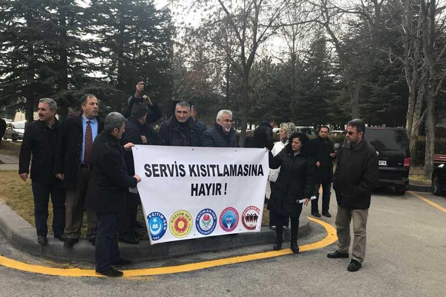 Hacettepe Üniversitesindeki servis kısıtlamasına tepki