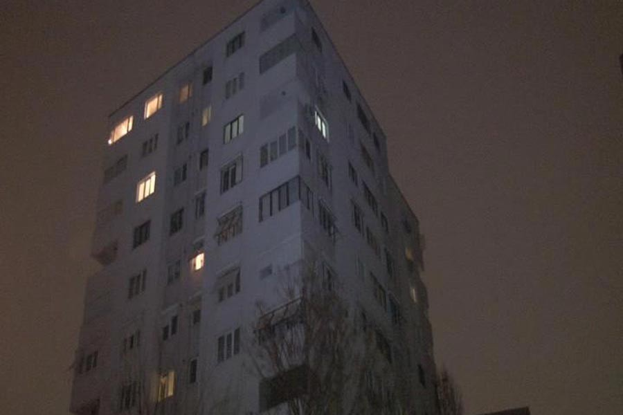Kadıköy'de 10. kattan düşen genç hayatını kaybetti