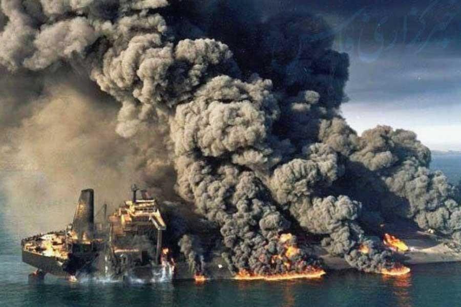 Çin Denizi'nde yanan tanker battı, tüm mürettebat öldü
