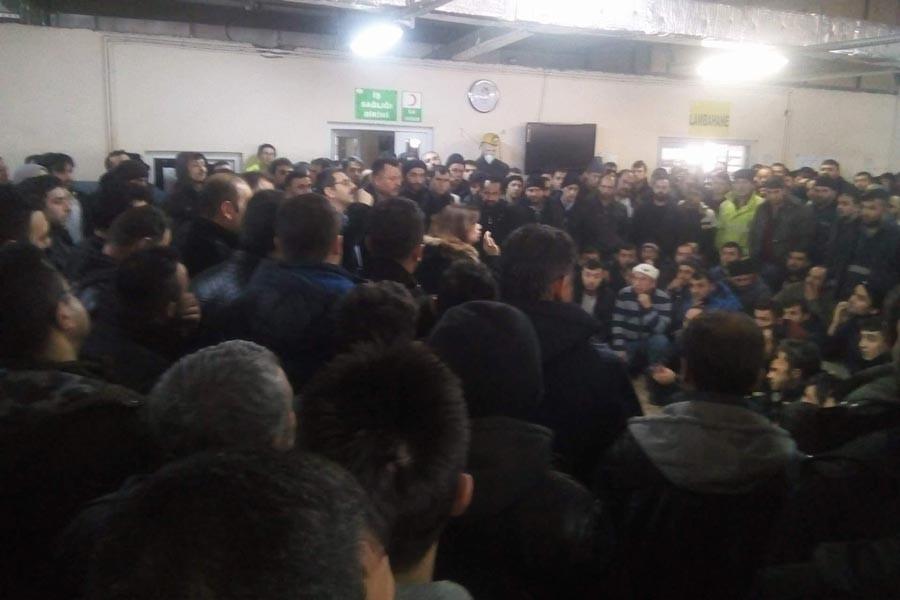 Eskişehir'de ücretlerini alamayan işçiler grev başlattı
