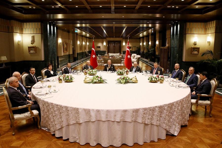 Erdoğan, yasama, yürütme ve yargı temsilcileriyle yemek yedi