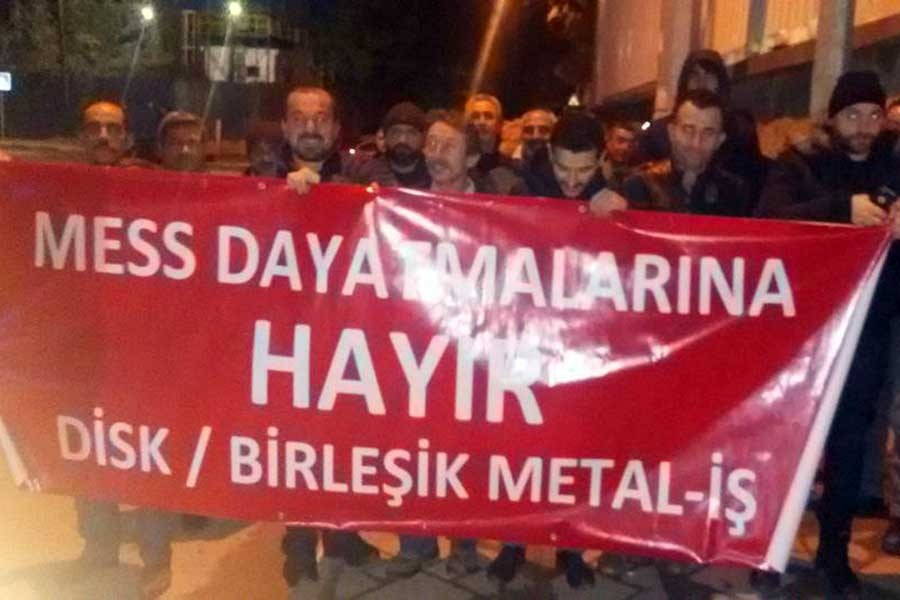 METAL İŞÇİLERİ 'GREV' DİYOR
