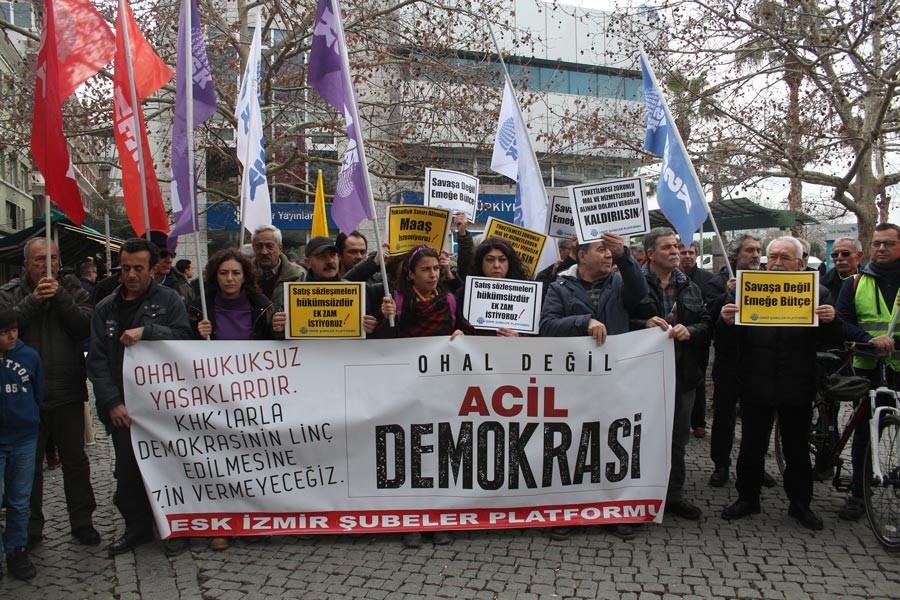 KESK İzmir: Demokrasi ve ek zam istiyoruz