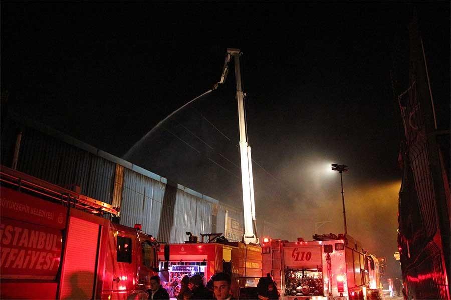 Metal fabrikasında yangın çıktı