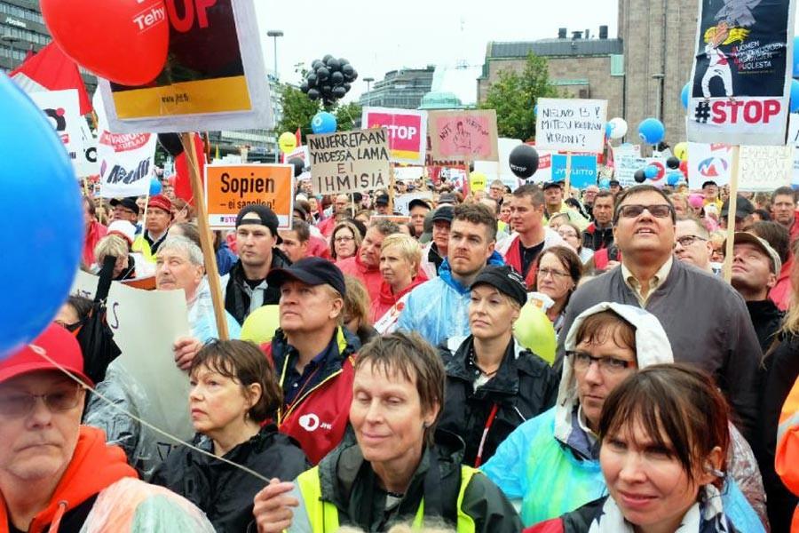Finlandiya'da işsiz haklarının kısıtlanmasına karşı grev!