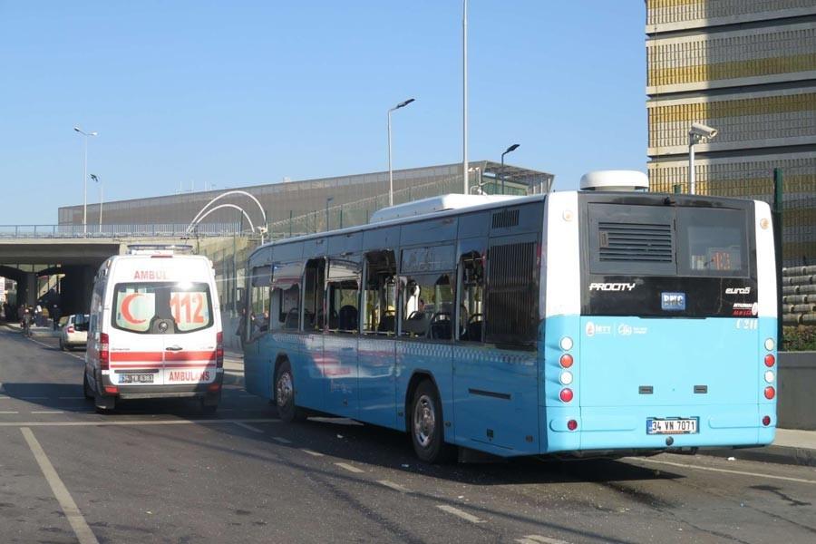 Üsküdar'da halk otobüsü durağa girdi: 3 ölü 5 yaralı