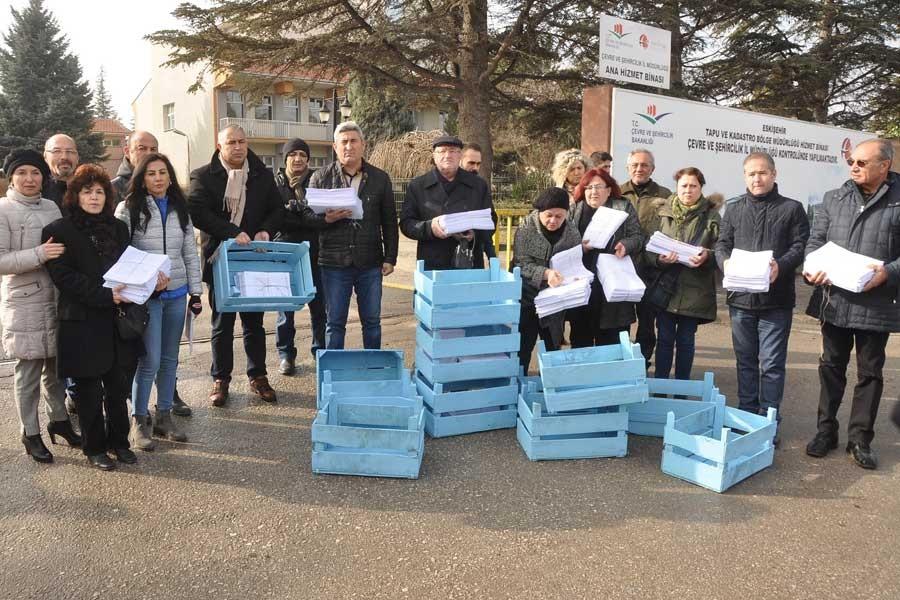 Eskişehir'de kasa kasa, termik santral karşıtı imza toplandı