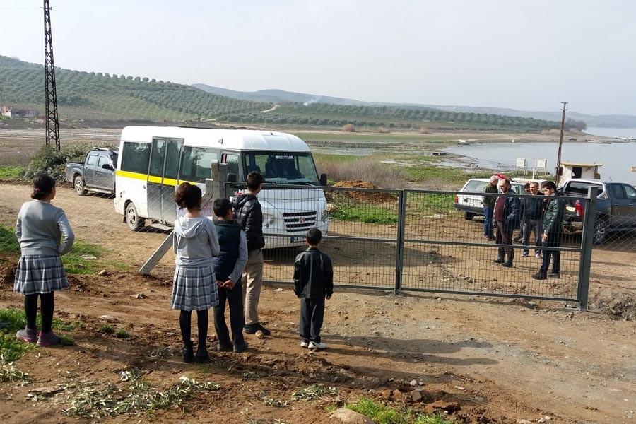 'Tapulu arazim' dedi, davayı kazanınca okul yolunu kapattı
