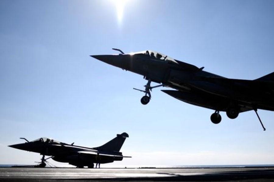ABD, Suriye yönetiminin müttefik güçlerini vurdu: 100 ölü