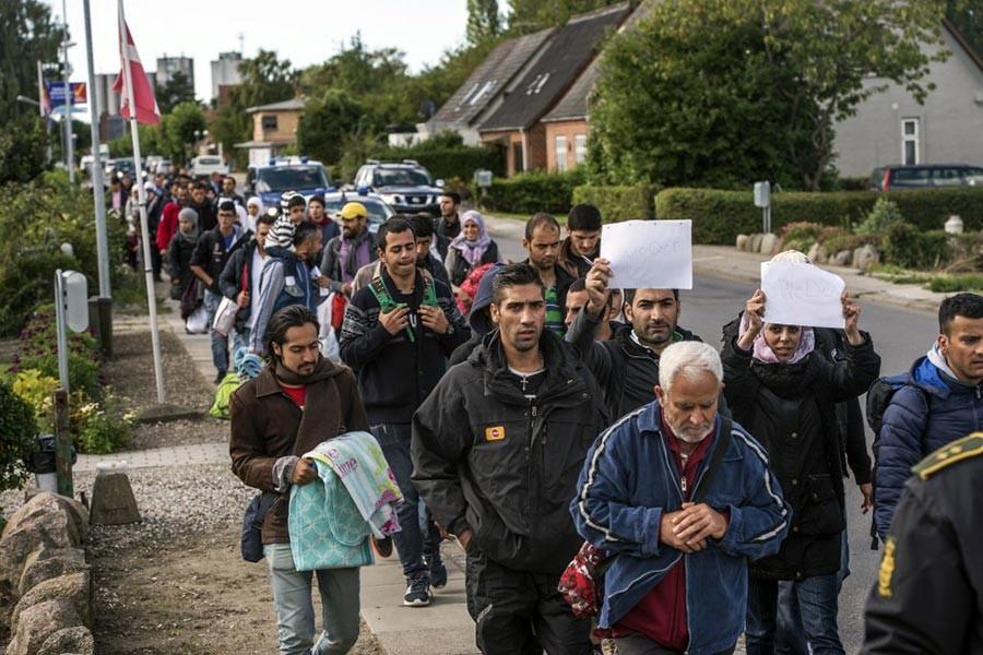'Avrupa'nın göçmen mahalleleri nükleer bombaya dönüşebilir'