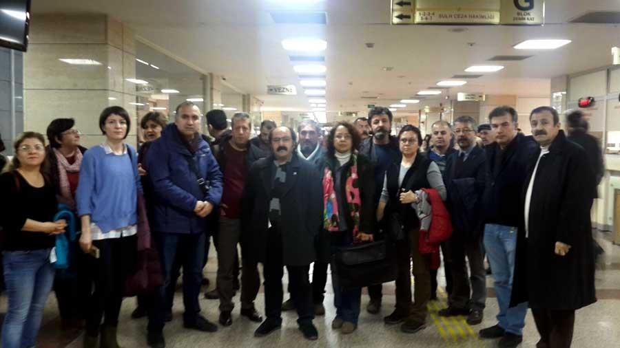 İzmir adliyesi