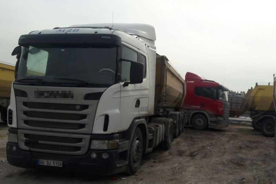 Eryaman'da maaşını alamayan şoförler kontak kapattı
