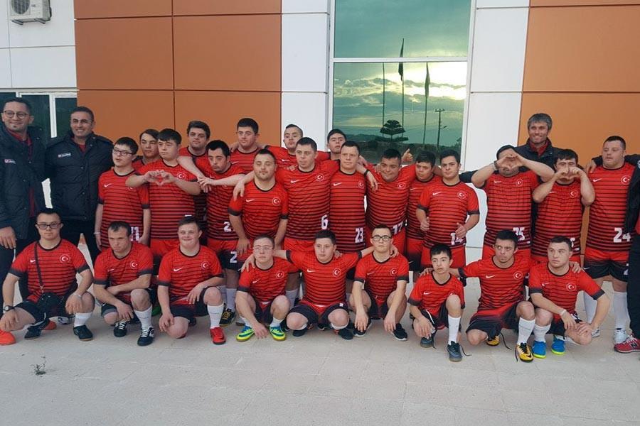 Down sendrom futsal milli takım seçmeleri Alanya'da başladı