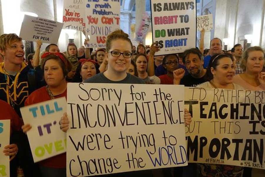ABD'de binlerce öğretmen grevde