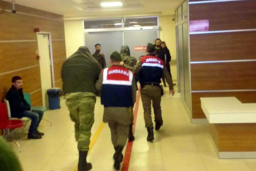 Türkiye'de tutuklu 2 Yunan askerinin ailelerine görüş izni