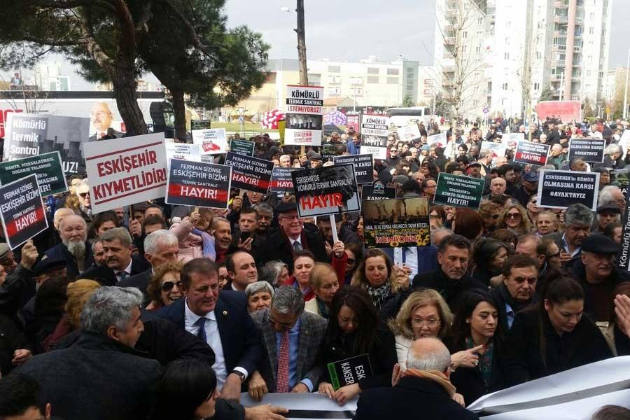 Eskişehir'de yasağa rağmen termik santral protesto edildi