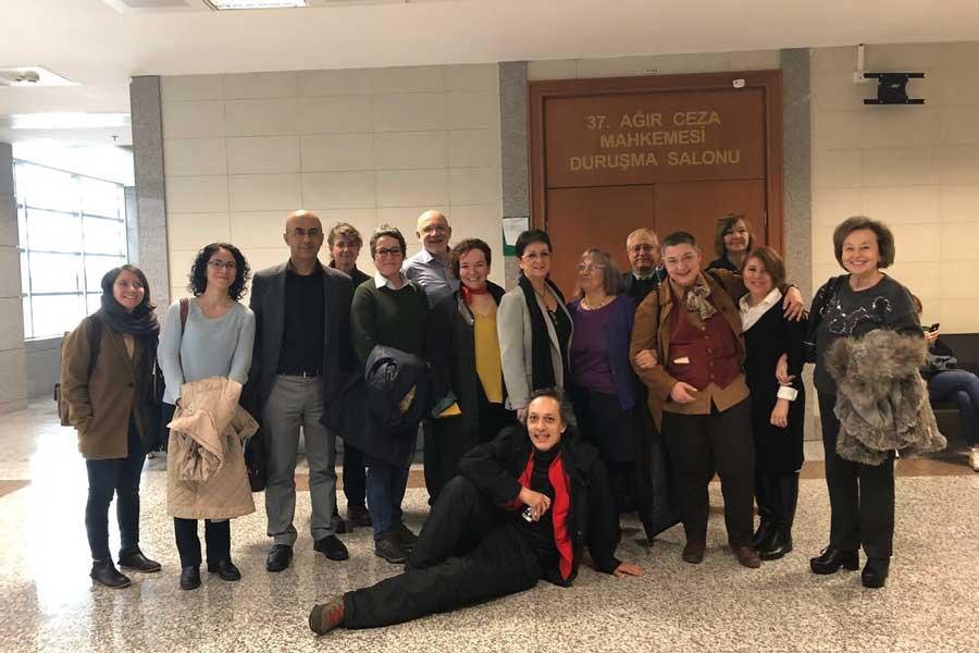 Barış imzacısı 5 akademisyenin duruşması ertelendi