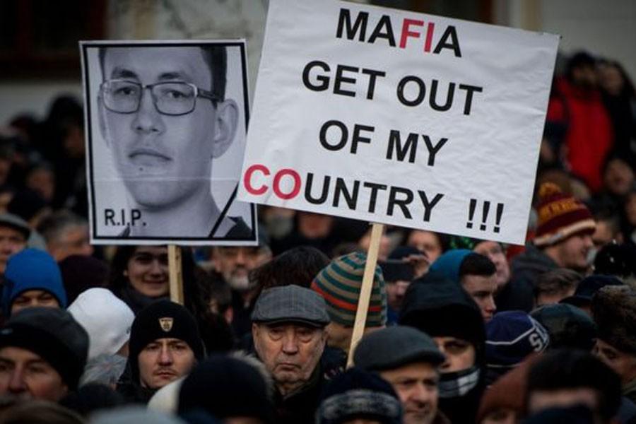Slovakya'da gazeteci cinayeti sonrası erken seçim tartışması