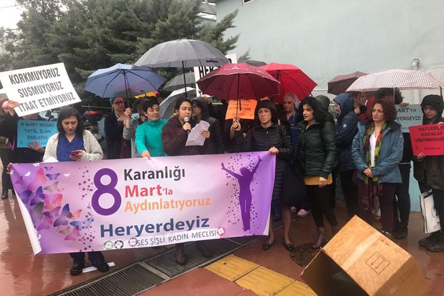 SES üyeleri Şişli Etfal Hastanesi önünde 8 Mart'ı kutladı