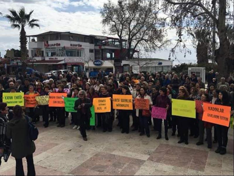 Balıkesir Altınoluk Demokrasi Platformu 8 Mart açıklaması (Fotoğraf: EVRENSEL)