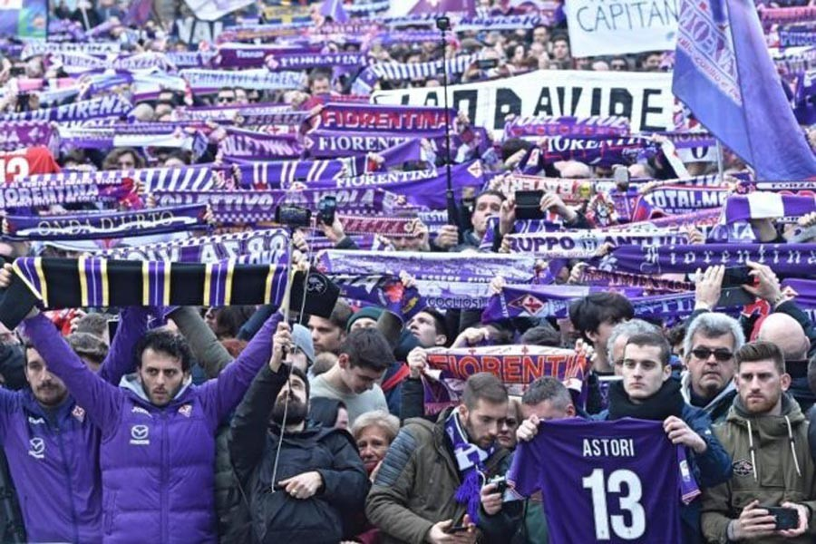 Fiorentina'nın ölen kaptanı Astori için tören düzenlendi