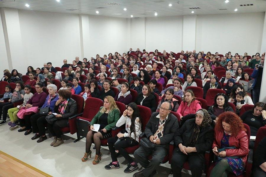 Bornova Kadın Dayanışma Derneği resmi kuruluşunu açıklıyor